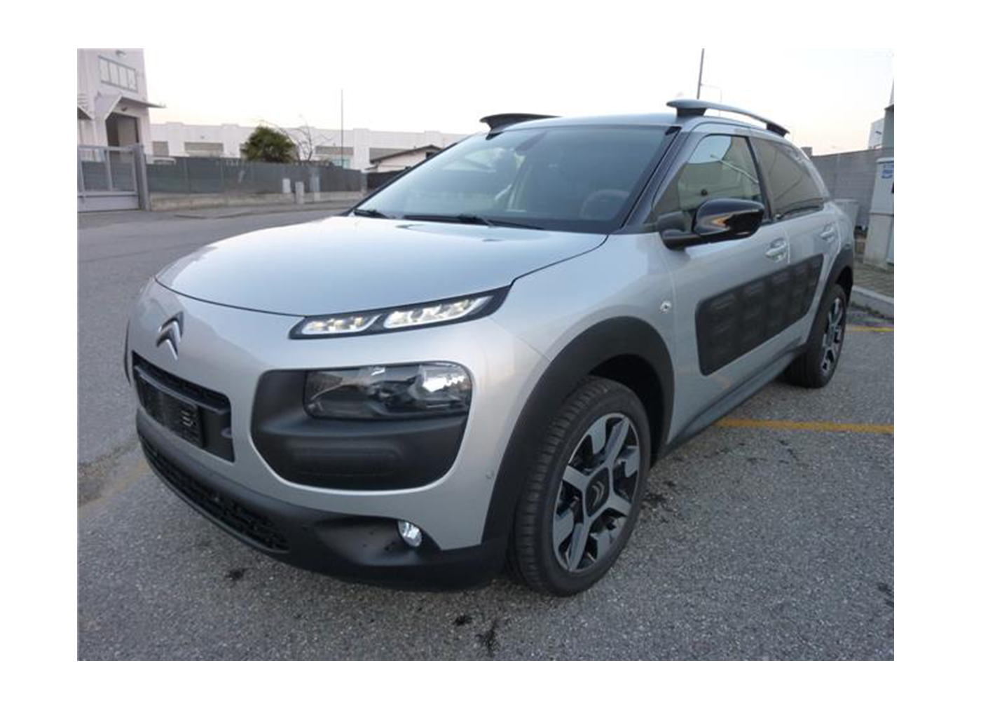 citroen c4 cactus bluehdi 100 feel edition silver grey km0 a soli 14850 su miacar kcfty. Black Bedroom Furniture Sets. Home Design Ideas